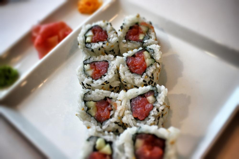 spicy tuna roll minneapolis
